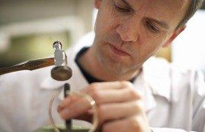ædelmetal smykker metaller analyse adelmetalkontrol